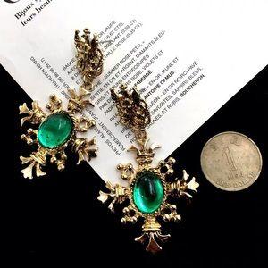 Jewelry - Green gem earrings